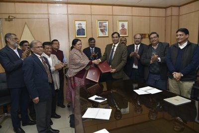 icar-sign-mou-with-department-of-biotechnology-for-agricultural-research-education-english.jpeg