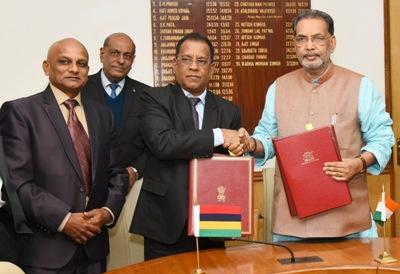india-sign-mou-with-mauritius-in-agro-industry-fisheries-and-dairy-sector-english.jpeg