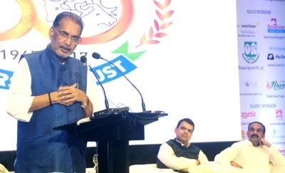 indian-agri-minister-addresses-farmers-issues-at-50th-clfma-meet-english.jpeg