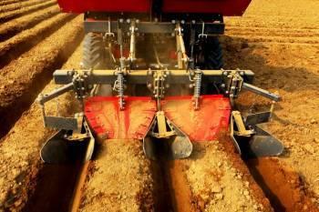 mahindra-launches-precision-potato-planting-machinery-for-farmers-english.jpeg