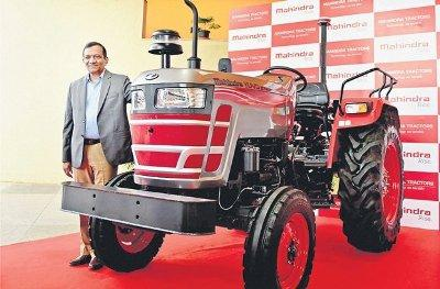 mahindra-unveils-its-first-ever-driverless-tractor-english.jpeg