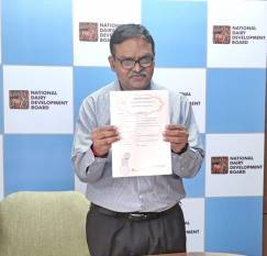 nddb-to-offer-energy-efficient-solutions-to-dairy-industry-inks-mou-with-eesl-english.jpeg