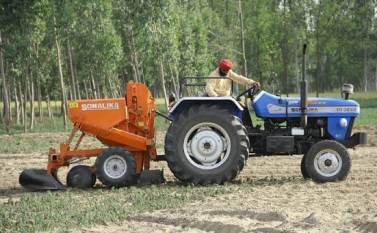 now-sonalika-tractors-extends-standby-tractor-facility-to-farmers-english.jpeg