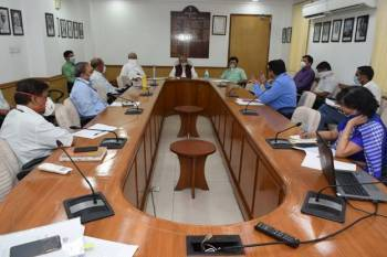 tomar-launches-all-india-agri-transport-call-centre-numbers-to-facilitate-inter-state-movement-of-perishables-during-lockdown-english.jpeg